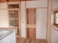 キッチンから脱衣室への建具